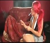 Rothaarige Smoking German Girl
