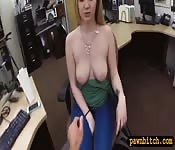 Sexy babe screwed by horny pawn keeper