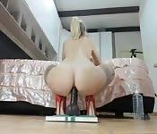Romanian slut rides a dildo anal