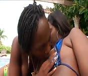 Coppia lesbo nera