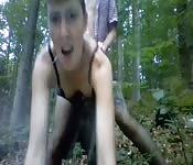 Une baise rapide dans les bois