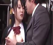 Freches japanisches Schulmädchen...