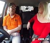Curvy Slut Blows Driving Instructor