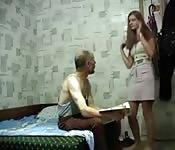 Alter Mann wird verführt