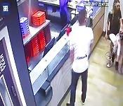 Robar en las tiendas es un crimen