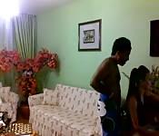 Brünettes Pärchen im selbstgedrehen Sexvideo
