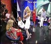 María Lapiedra se queda desnuda en la tele