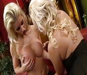 Lesbianas exquisitas en un encuentro apasionado