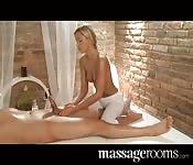Me la assaggi mentre me lo massaggi?
