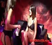 Amateurinnen bei Lesben-Sexshow