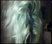 Heiße Blondine lutscht Schwanz Teil 2