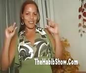 Una brasiliana si scatena dopo un festino sexy