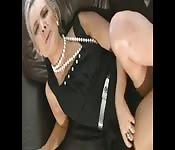 Una bionda sexy si arrapa