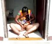 Vecchia indiana sditalinata