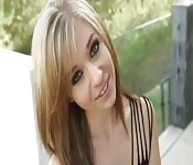 La deliziosa bionda Madelyn Monroe