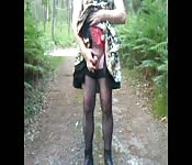 travesti se masturbant en robe