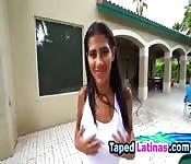 La latina Alexa Aimes cavalca un cazzo duro