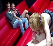 Directo amateur de travesuras sexuales en un cine alemán
