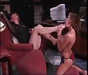 Adoración encantadora lésbica de pies