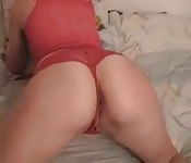 Sweet amateur shows off her ass and rides a cock