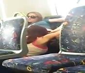 Amatorski seks w publicznym autobusie