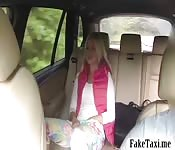 Blondie passenger gets banged in the cab
