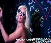 Britney Amber si masturba