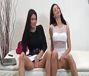 Tetonas latinas se masturban