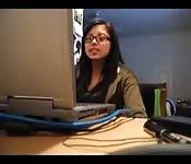 Une fille asiatique en caméra cachée