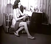 Pretty woman all nude in vintage video