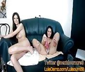 Tetona maravillosa juega con amiga