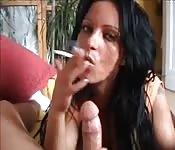 Rauchende deutsche Schönheit
