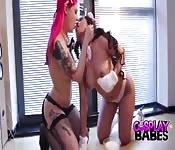 Lesbiennes en cosplay qui baisent