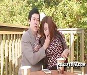 Jeune sexe asiatique avec un homme mûr
