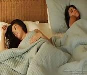 Lesbienne interracial baise du matin