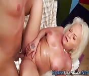 La nonna prova il porno