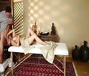 Il massaggio si fa forte