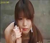 POV brutale avec une jeune fille japonaise