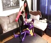 Due lesbiche amatoriali in cosplay
