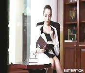 Escena de masturbación con Lucie Wilde