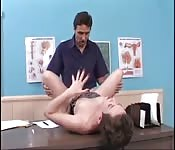 Pacjentka bzyka się z lekarzem