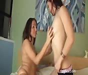 Las lesbianas London y Ameara se comen el coño