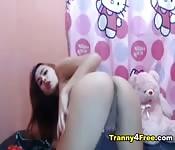 Una trans asiatica si fa una sega