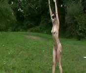 Lady Gaga se détend totalement nue