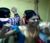 Fiesta lésbica hindú