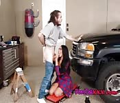 Sexy Babe Blows Well Hung Mechanic
