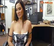 Amateur woman shows off her big boobs