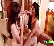Lesbianas de cuerpazos gloriosos en acción