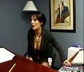 Die vollbusige Alektra Blue bei Bürofick