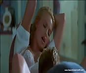 Charlize Theron dans une scène de sexe